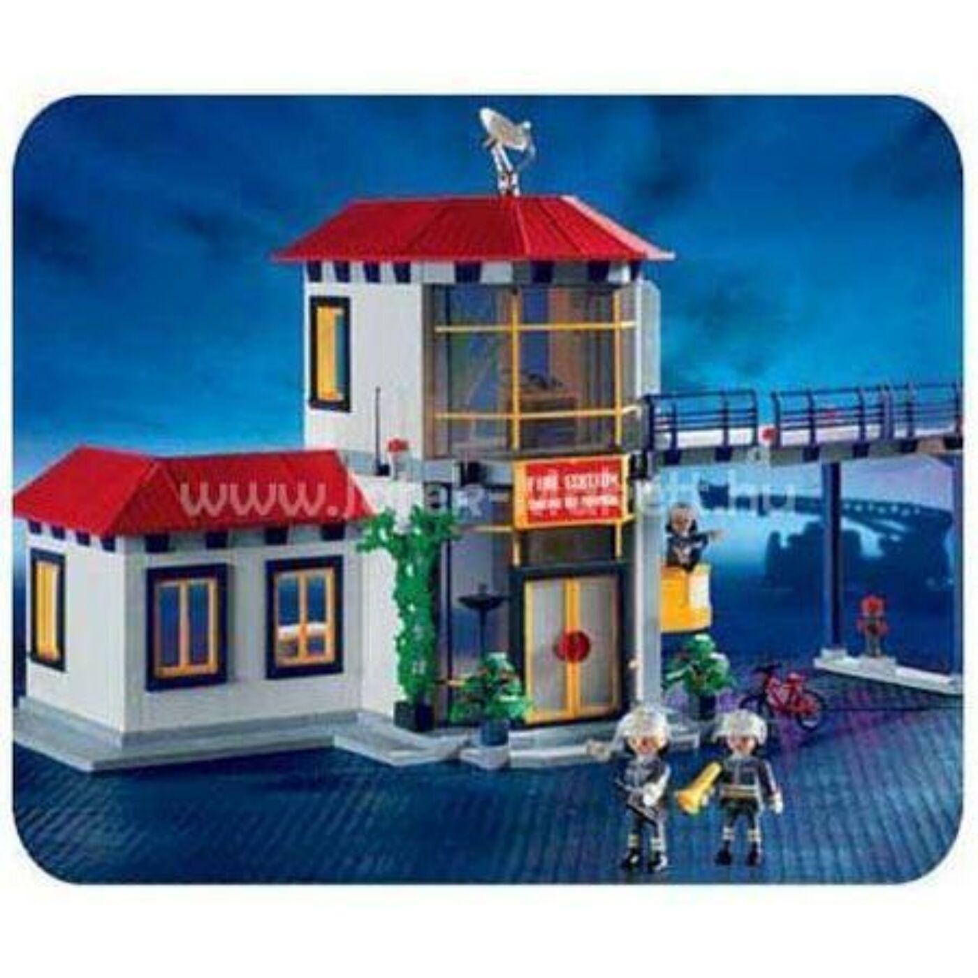 Playmobil központi tűzoltóállomás